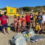 Legambiente pulisce la spiaggia di Anzio alla riserva di Tor Caldara