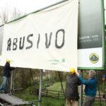 Oscurato dai volontari di Legambiente un maxi cartellone sulla Salaria installato all'interno della Riserva Naturale della Valle dell'Aniene